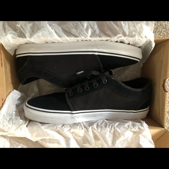 suede chukka low
